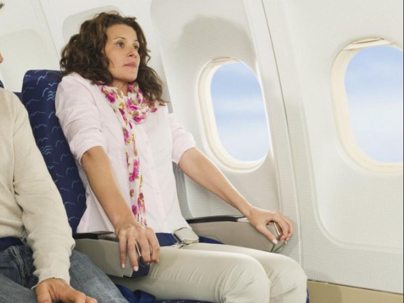 Vuelo largo. Long flight. Asistencia médica para turistas y viajeros en Latinoamérica. Medical assistance for tourists and travelers in Latin America.
