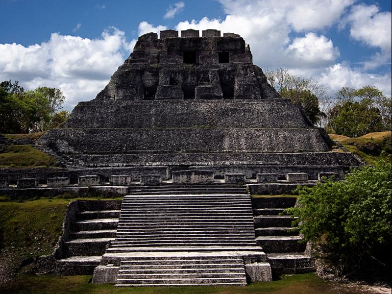 Belice. Pirámides Mayas. Mayan pyramids. Asistencia médica para turistas y viajeros en Latinoamérica. Medical assistance for tourists and travelers in Latin America.